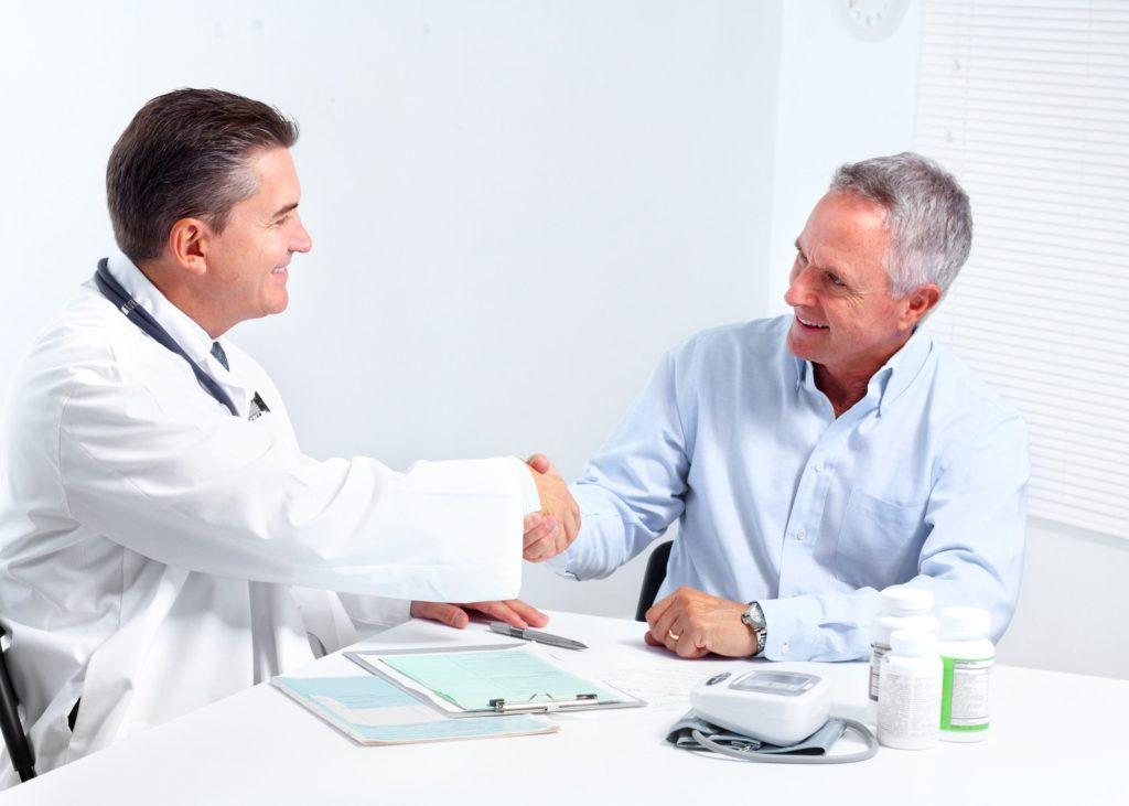 врач пациент