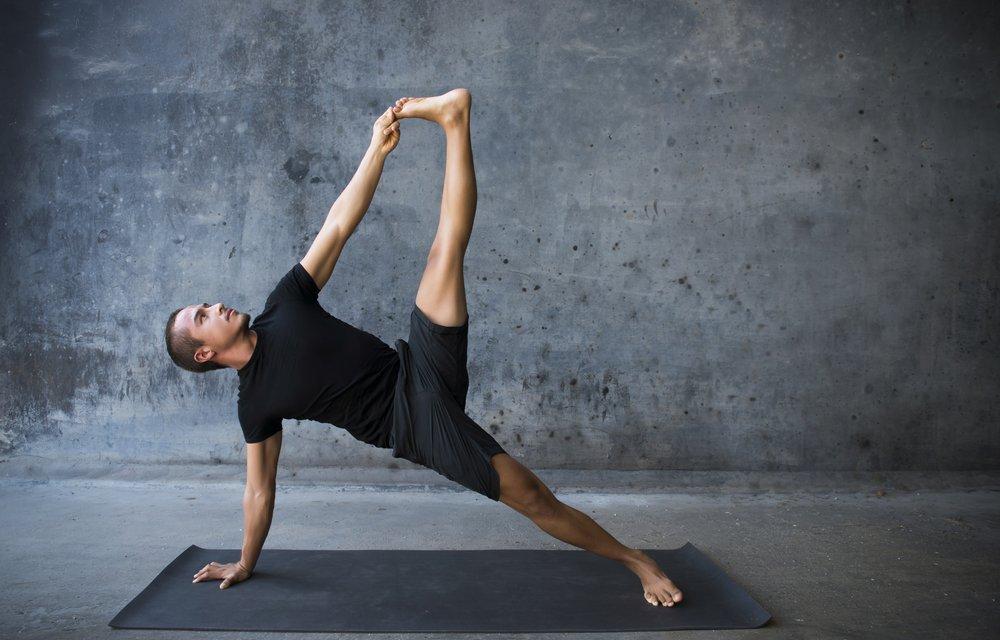 Упражнения йоги для улучшения сексуальной функции