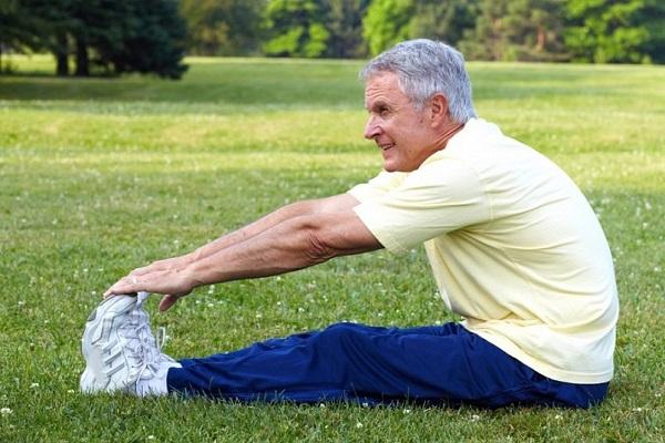 Лечебные упражнения не рекомендуется выполнять в период обострения заболевания, хотя, по причине дискомфорта, вряд ли кто захочет заниматься гимнастикой в этот период