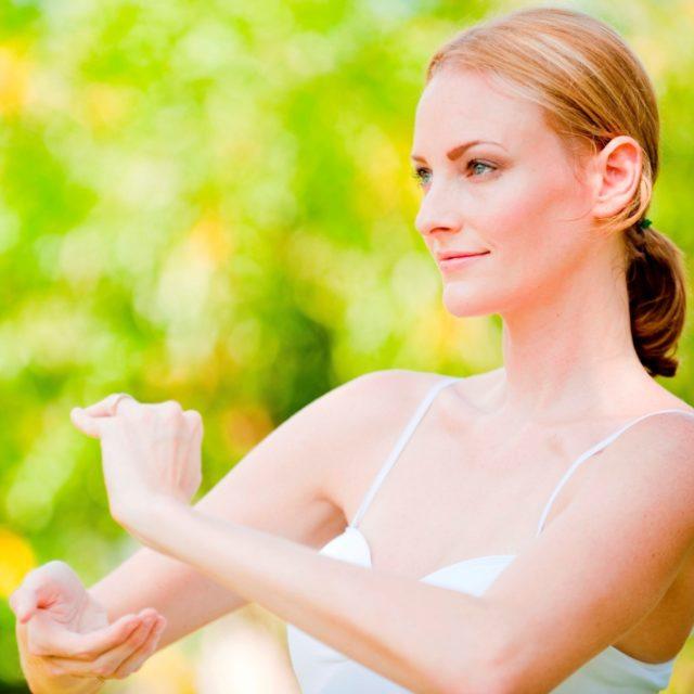 Можно его особенно посоветовать тем, кто хочет укрепить тонус организма, а также изменить вес, улучшить работу половой системы