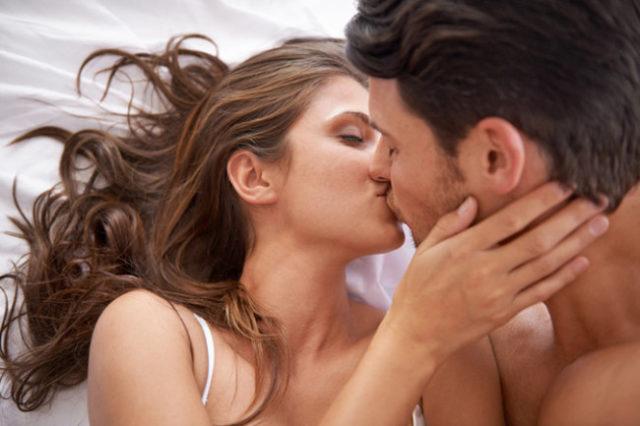 Наиболее сильное половое влечение у людей наблюдается в возрасте 16-35 лет