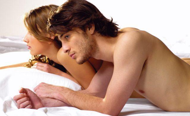 Признаки влечения мужчины к женщине