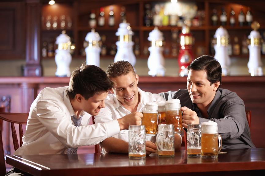 компания с пивом