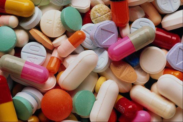 Важно также учитывать, что Витапрост активизирует действие ряда антикоагулянтов и нестероидных препаратов противовоспалительного действия
