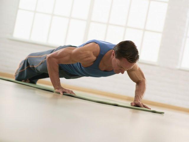 Помимо повышения физической выносливости и силы мышц (в том числе и пенильных) у мужчин отмечается улучшение состояния половых желез