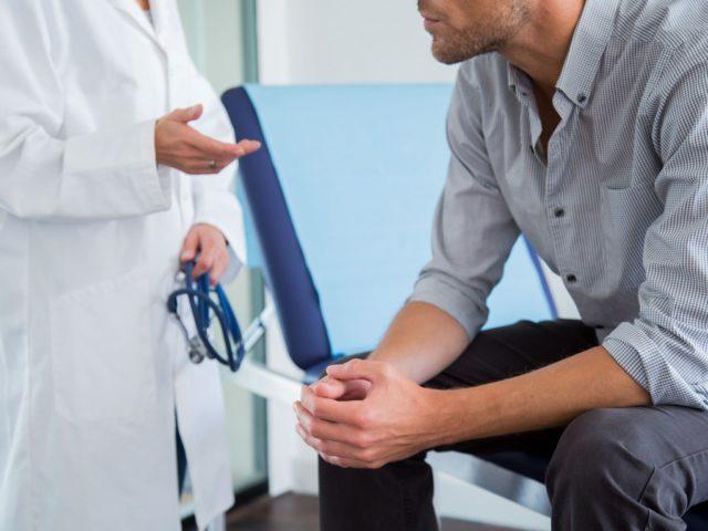 Эякуляция без эрекции может исчезнуть сама по себе после того, как мужчина избавится от патологий в органах малого таза