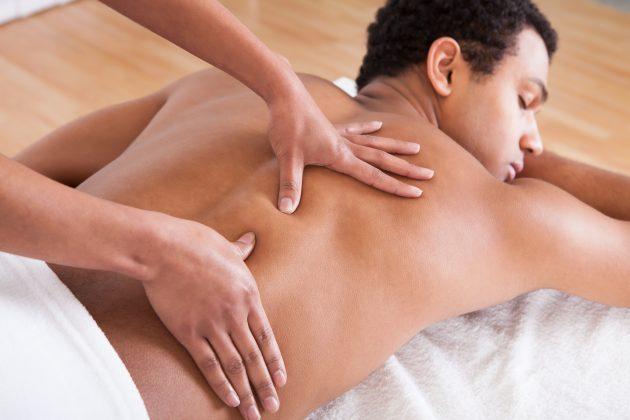 Не рекомендуется проводить массаж короткими поверхностными движениями
