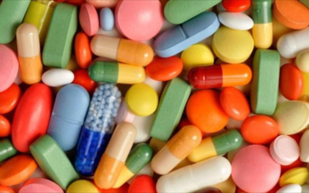 Удлиняется время действия при сочетании с Тетрациклином, Кетоконазолом, Эритромицином, Саквинавиром
