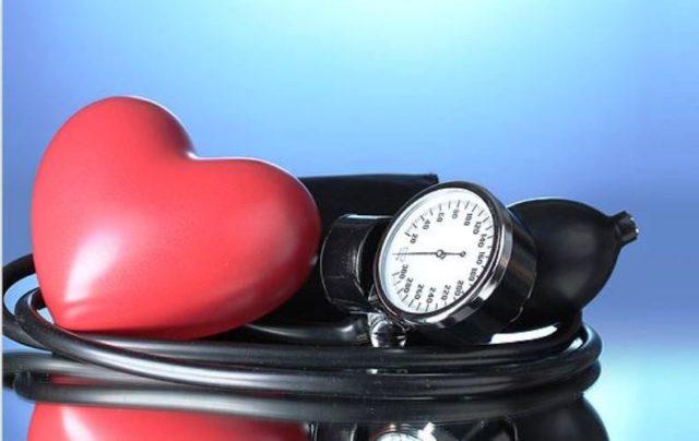 С осторожностью можно употреблять таблетки при склонности к кровотечениям, язвенной болезни желудка