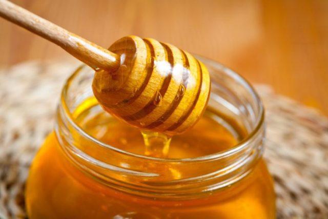 Мед помогает в лечении мужского либидо